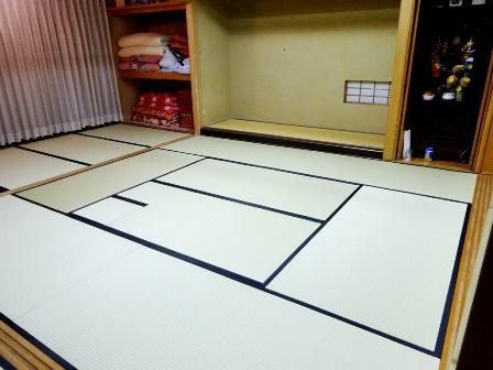 茶室広間(銀白若草入色使用)